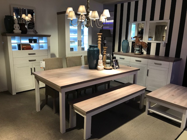 Dressoir + vitrine + bar + tafel + bank & salontafel - Outlet - Sensa Interieur